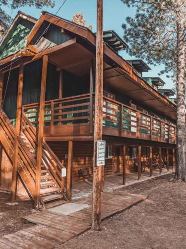 Zion-Lodge-Pinewoods-Resort-Utah-15