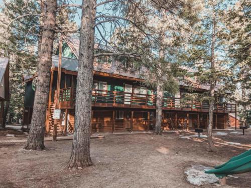 Zion-Lodge-Pinewoods-Resort-Utah-17