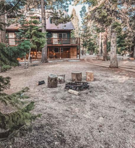 Zion-Lodge-Pinewoods-Resort-Utah-18