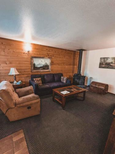 Zion-Lodge-Pinewoods-Resort-Utah-23