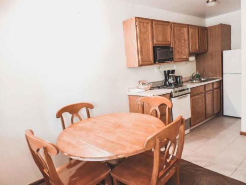 Zion-Lodge-Pinewoods-Resort-Utah-8