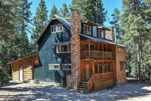 Pinewoods Lodge